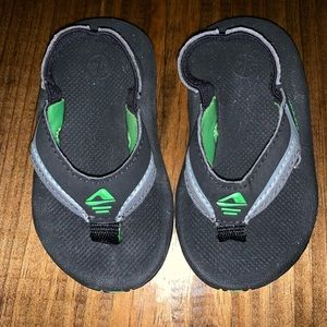 Toddler 3/4 Reef Beach Sandals. Black & Green